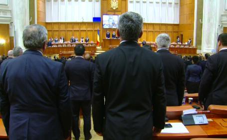 Sedinta solemna a Parlamentului pentru marcarea Revolutiei: Ne cerem scuze ca in 26 de ani am facut atat de putin