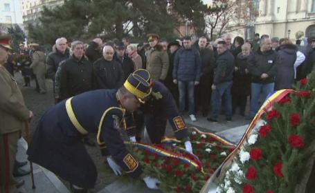 Ceremonii militare in toata tara, in memoria celor care au murit la Revolutie. \