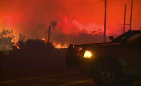 Sudul Californiei, parjolit de un incendiu inspaimantator. Zeci de familii evacuate, si doua autostrazi inchise