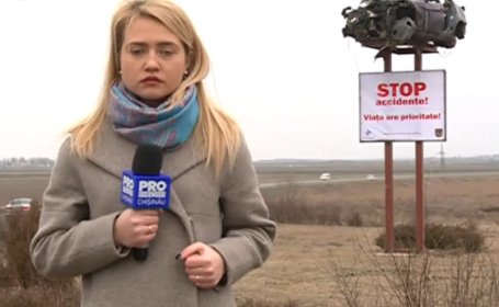 Reactia soferilor din R. Moldova dupa ce politistii au urcat un BMW facut zob pe un panou publicitar. VIDEO