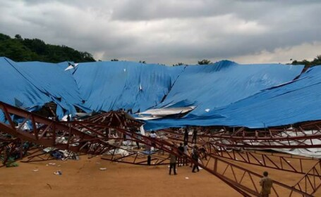 biserica prabusita in Nigeria - Agepres