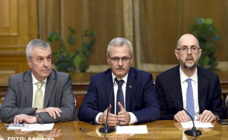Copresedintele ALDE Calin Popescu-Tariceanu (stg.), presedintele PSD, Liviu Dragnea (ctr.), si presedintele UDMR, Kelemen Hunor (dr.)