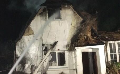 S-au mutat in casa noua chiar inainte de Sarbatori. Ce s-a intamplat cand au facut focul in semineu