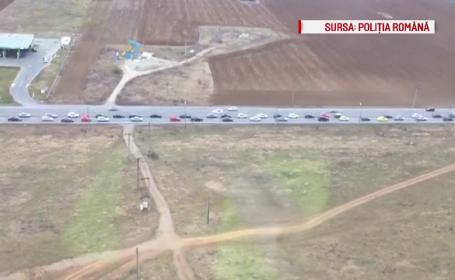 Imagini din elicopter cu sirurile nesfarsite de masini de pe DN1. Dupa ce au scapat de trafic, soferii au \