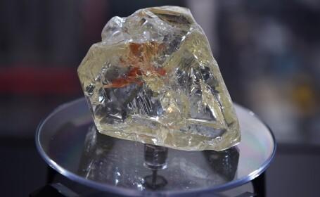 Diamant vândut cu peste 6,5 milioane de dolari. Un pastor l-a găsit şi l-a donat statului