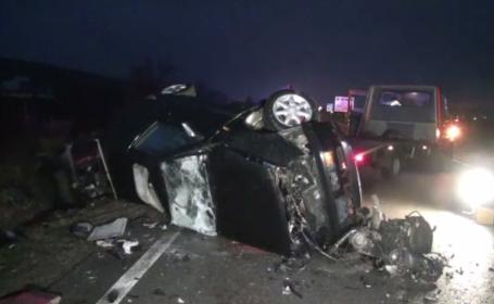 Un șofer a murit după ce a făcut o depășire și a derapat. Celălalt șofer a ajuns la spital