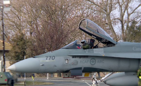 Forțele aeriene regale canadiene s-au antrenat cu piloții români, la baza Kogălniceanu