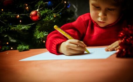 Scrisoarea emoţionantă a unei fetiţe pentru Moş Crăciun a generat un val de ajutor online