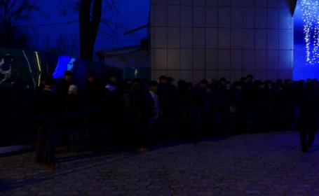 Coadă de sute de persoane la bilete pentru petrecerea de Revelion, în Galați