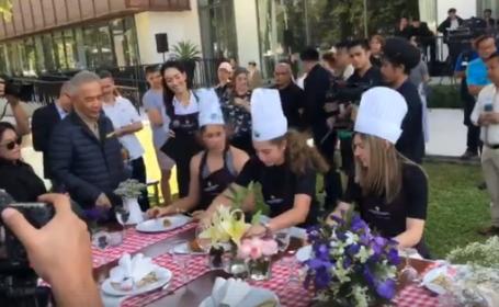 Simona Halep a gătit omletă cu carne de crab în Thailanda. VIDEO