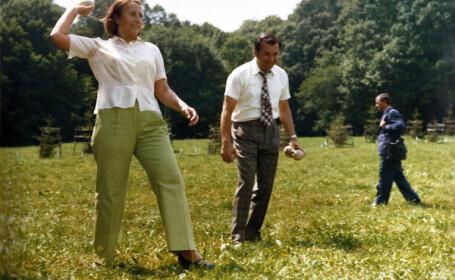 Fotografii de arhivă cu Ion Iliescu și soții Ceaușescu, distrându-se într-o vacanță