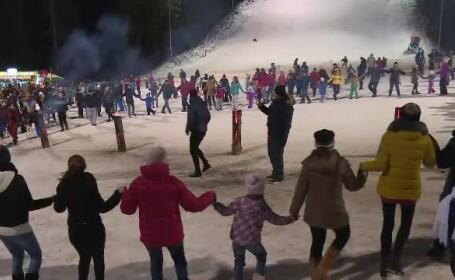 Spectacol la deschiderea sezonului de ski, pe pârtia Kalinderu