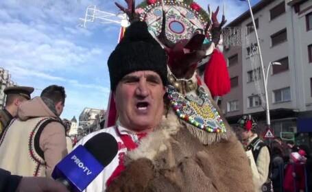 Defilare de colindători în Bacău