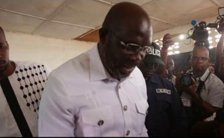 Fostul mare fotbalist african, George Weah, a ajuns președintele Liberiei