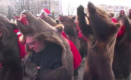Colindători din toate zonele țării au participat la festivalul de tradiții de la Comănești