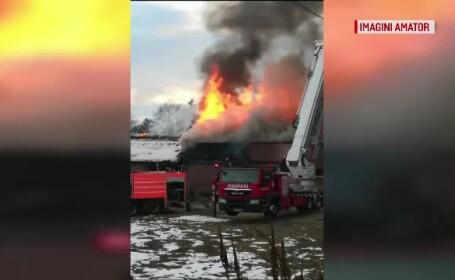 Un club a ars complet în Neamţ. Ce s-a întâmplat cu cei aflaţi în interior