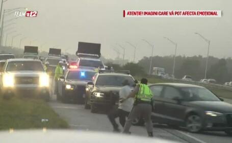 politist lovit de masina