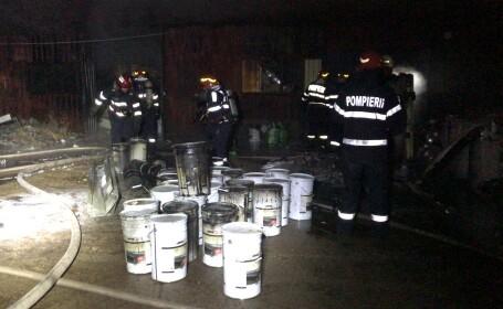 Incendiu violent la o hală cu materiale de construcții din Bucureşti. VIDEO