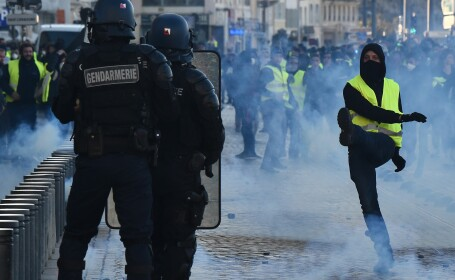 paris, vestele galbene, proteste, violente, franta,