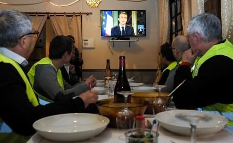 """Ce le-a transmis Emmanuel Macron """"vestelor galbene"""" în seara de Anul Nou"""