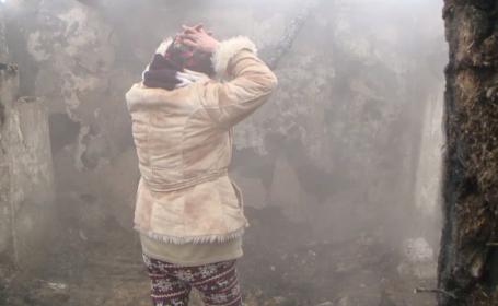 Au rămas fără adăpost înainte de sărbători. Povestea tristă a unei familii din Iași