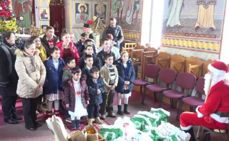 14 copii de la o casă de tip familial din Alba au primit cadouri de Crăciun