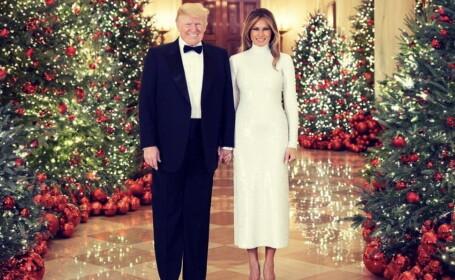 Melania și Donald Trump, în fotografia oficială de Crăciun. Mesajul lor