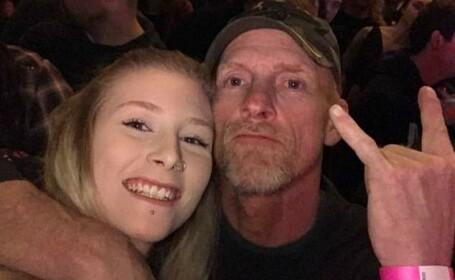 """Clip viral cu un tată surd și fiica lui la un concert rock. """"Absolut fascinant"""". VIDEO"""