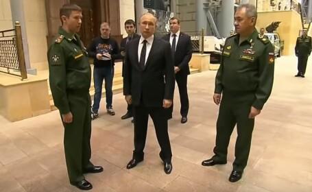 """Putin a admirat """"trofeele de război"""" capturate în Siria. Ce era ascuns într-o jucărie de pluș"""