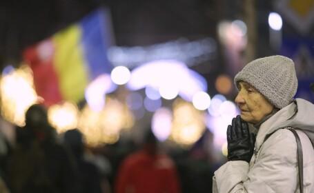 Sute de persoane au mărșăluit în București în memoria victimelor Revoluției din '89
