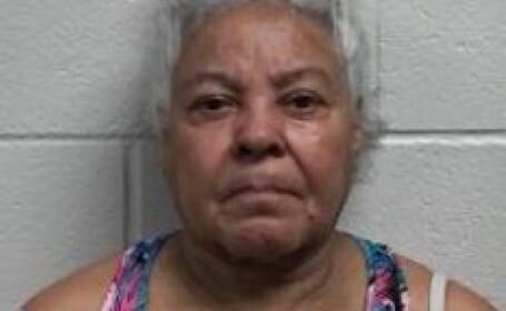 Bătrână de 72 de ani, arestată după ce a violat un copil de 13 ani