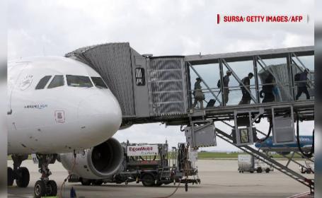 Burduful care conecta un avion de un terminal s-a prăbușit: șase răniți