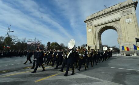 Parada militara organizata cu ocazia zilei de 1 Decembrie