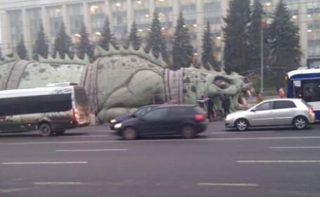 Scandal uriaș la Chișinău după ce șopârlă gigantică a apărut în centrul orașului. Primarul cere demisii în lanț