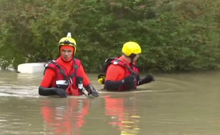 Mai multe regiuni ale Franței, devastate de inundații puternice. Două persoane au murit