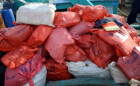 Peste 3,5 tone de canabis, confiscate în Oceanul Indian. Unde au fost descoperite