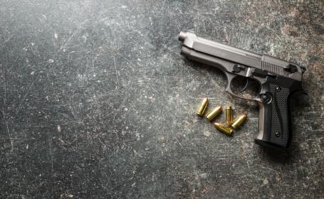 pistol gloante