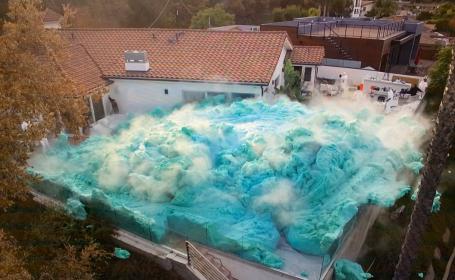 """Experimentul care a uimit internetul. Imagini surprinzătoare cu un """"vulcan de spumă"""" uriaș"""