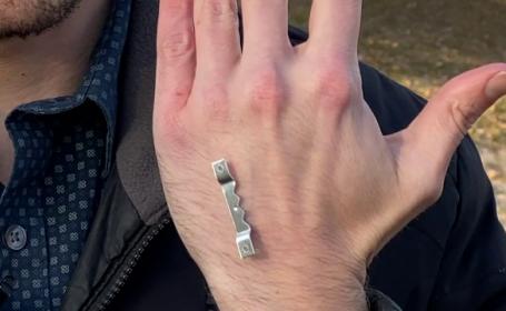 Invenția care a șocat internetul. Ce și-a implantat în palmă