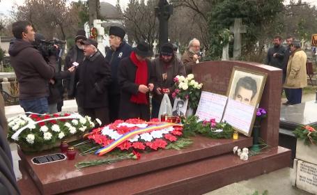 """Admiratorii lui Ceaușescu comemorează 30 de ani de la moartea sa: """"Suntem 20 de milioane de proști"""""""