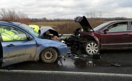 Accident grav în județul Timiș. O persoană a murit și o alta a fost preluată de SMURD