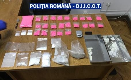 Droguri de 60.000 de € descoperite într-un apartament din Braşov închiriat în regim hotelier