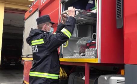 Mai multe vile dintr-un cartier din Oradea, în pericol să fie mistuite de flăcări