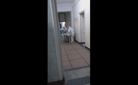 Spital Covid din Reșița: pacienți dezbrăcați care se târăsc după ajutor pe holuri, un cadavru în pat și porumbei în saloane