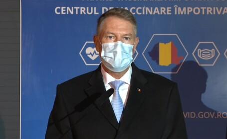 Iohannis, după vizita la centrul de vaccinare: România ar putea primi la începutul lui 2021 prima tranșă de vaccin. FOTO