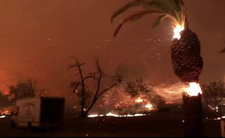 Incendii în California
