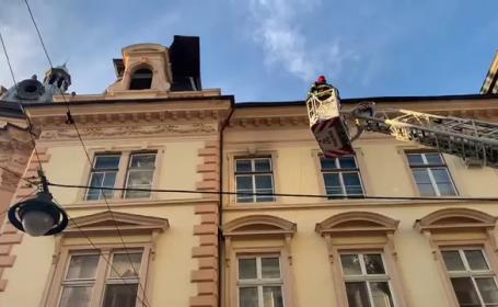 Vântul a făcut în ravagii în Sibiu. Pompierii au avut intervenții în tot orașul