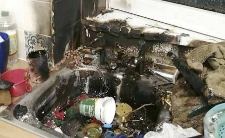 O mamă și fiica ei au adus acasă o grenadă veche, găsită pe plajă, și a explodat în bucătărie. FOTO