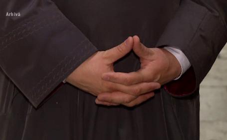 Fostul episcop de Huși și un fost călugăr, trimiși în judecată pentru viol. Victimele cer daune Episcopiei
