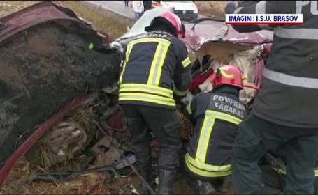 Doi oameni au murit şi un copil de trei ani este în comă, în urma unui grav accident, în judeţul Braşov